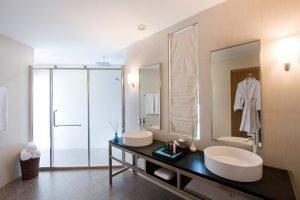 resuinsa proveedor textil para Hotel Kuramathi Maldivas