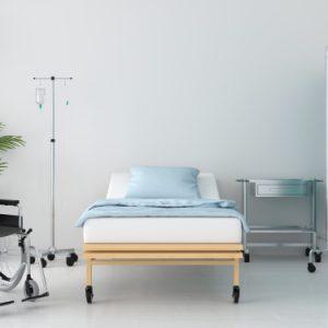 cuarto-hospital-cama-mesa_43614-220