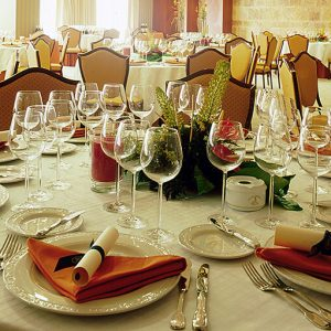 manteles,-servilletas-restaurante-clasico