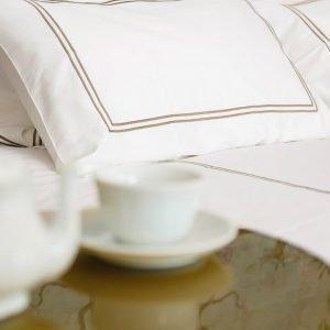 sabanas-y-fundas-de-almohadas-hotel-clasico