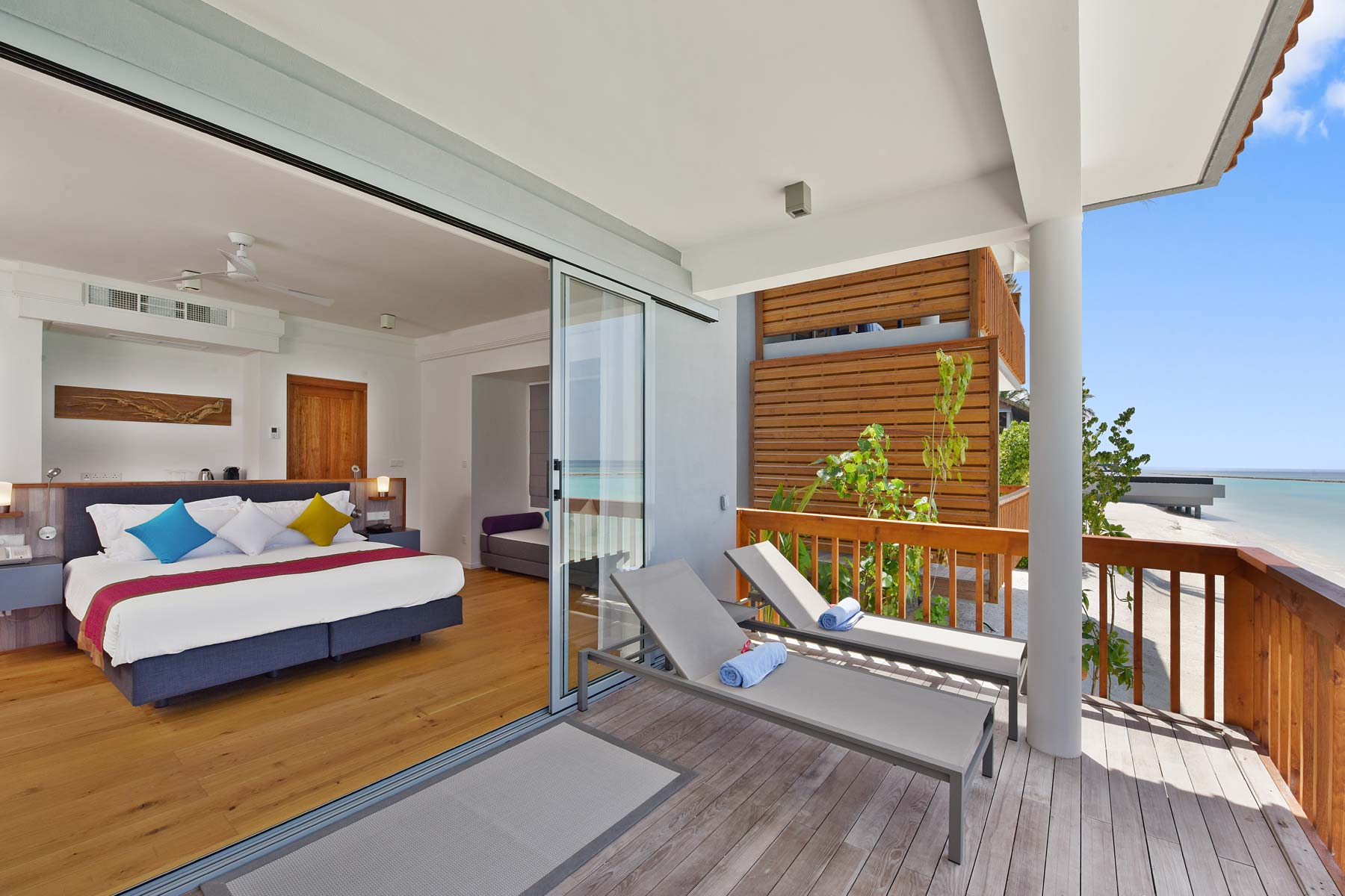Two Bedroom Beach House 02 Resuinsa